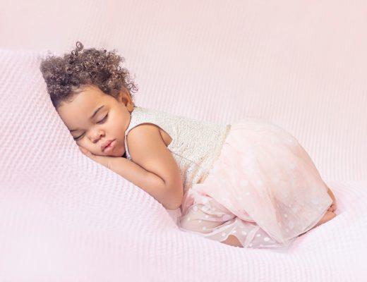 mom blog mom blogger parent influencer mommy blogs sleeping baby nap sleeping toddler